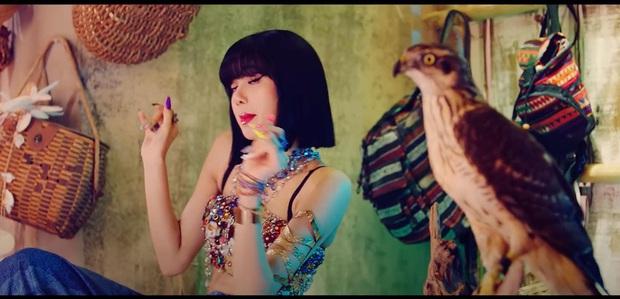 Nữ hoàng Ai Cập Lisa đẹp thì đẹp đấy, nhưng fan chụp màn hình chỉ ra một... rổ meme vì cảnh nào cũng lướt qua nhanh như gió, xem xong chóng cả mặt! - Ảnh 9.