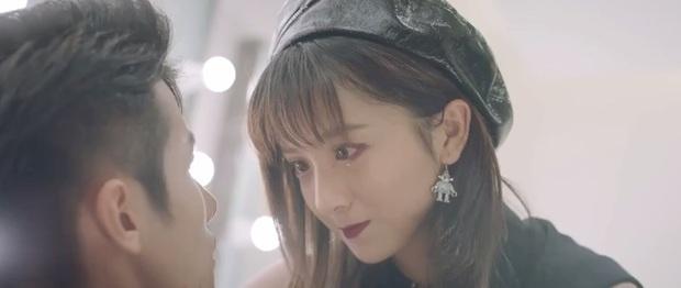 Lộ diện màn hôn quằn quại nhất màn ảnh Trung, netizen khoái chí: Anh chị tính nuốt nhau luôn hay gì - Ảnh 6.