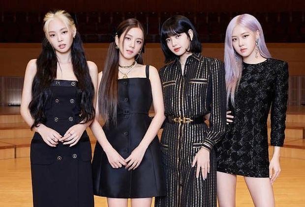 Tóc tai của Black Pink trong họp báo comeback: Có vẻ như hair stylist độ Jisoo mà không độ Lisa, Jennie - Ảnh 2.