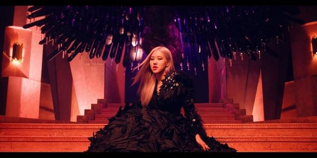 So sánh nhan sắc BLACKPINK đợt bão comeback: Jennie - Rosé như 2 nữ thần nước lửa, nhưng xin lỗi Lisa mới là trùm cuối - Ảnh 28.