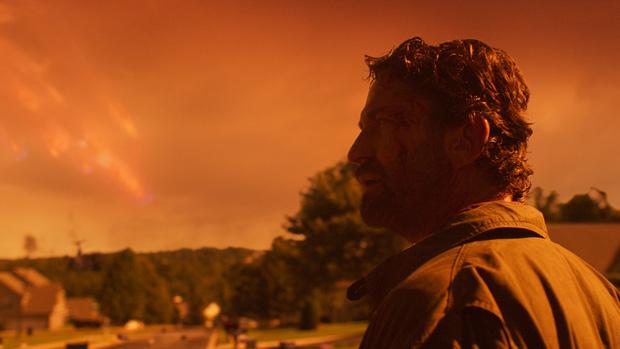 Hú hồn với thảm họa mưa bom ở trailer Greenland, đến chiến binh Sparta cũng phải trầm cảm trước đe dọa diệt vong - Ảnh 9.