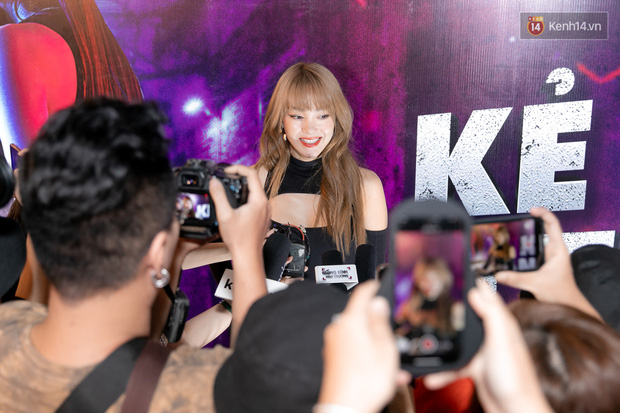 Minh Hằng không ngại đối đầu BLACKPINK, dự đoán lá thư nặc danh chỉ là trò đùa ở họp báo web drama mới - Ảnh 3.