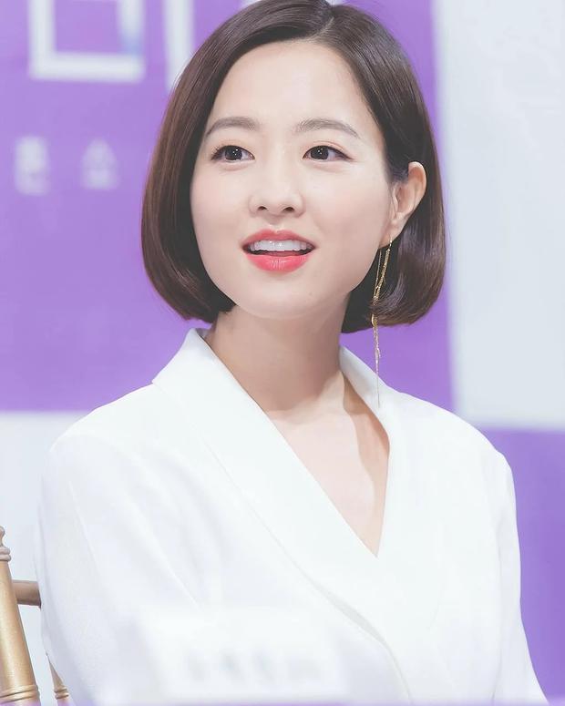 12 sao nữ sở hữu mặt mộc đẹp nhất Hàn Quốc: Nữ hoàng dao kéo cũng có mặt, Song Hye Kyo - Son Ye Jin có đọ được với dàn nữ thần Kpop? - Ảnh 23.