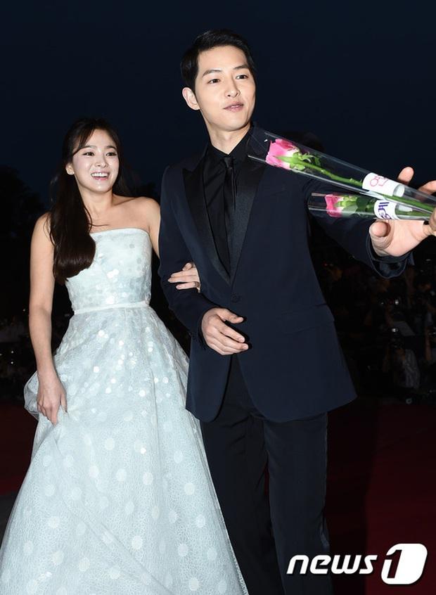 8 lần Song Hye Kyo gây nổ thảm đỏ, sự kiện: 2 dịp làm đám cưới sớm với Song Joong Ki, sau ly hôn lại lột xác ngỡ ngàng - Ảnh 8.
