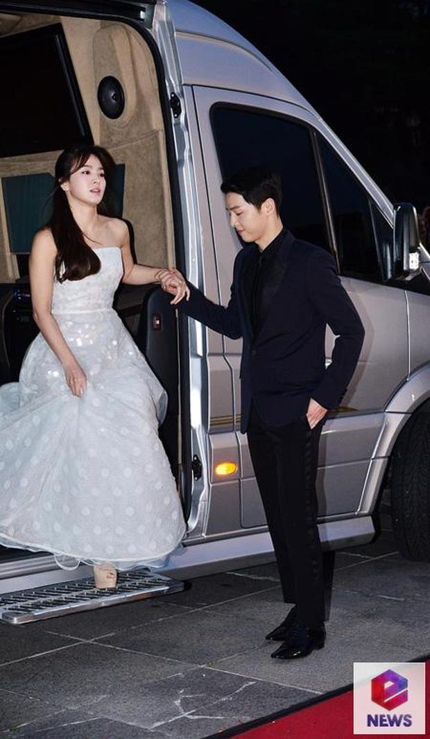 8 lần Song Hye Kyo gây nổ thảm đỏ, sự kiện: 2 dịp làm đám cưới sớm với Song Joong Ki, sau ly hôn lại lột xác ngỡ ngàng - Ảnh 5.