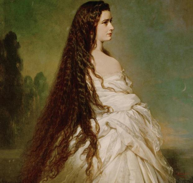 Số phận của vị hoàng hậu đẹp nhất châu Âu: Bị mang danh cướp chồng của chị gái, bước vào lồng son là một chuỗi những bi kịch đau đớn - Ảnh 2.