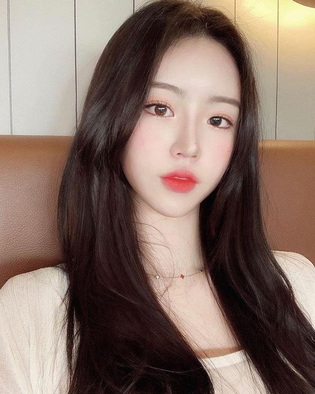 Hot girl ngực khủng xứ Hàn đi lạc vào livestream của nhiều game thủ Việt, liên tục thả thính đẹp trai là được - Ảnh 1.