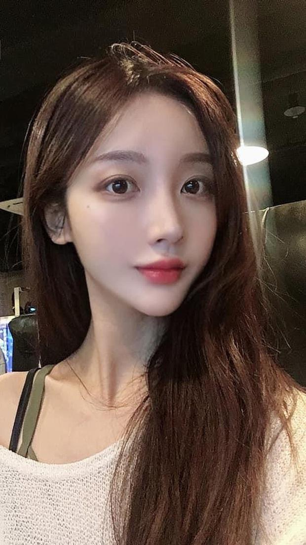 Hot girl ngực khủng xứ Hàn đi lạc vào livestream của nhiều game thủ Việt, liên tục thả thính đẹp trai là được - Ảnh 2.