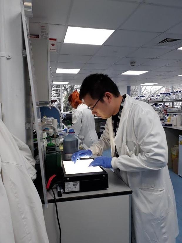 """Vắc-xin Covid-19 """"made in Vietnam"""" vượt tiến độ dự kiến, nhiều khả năng sẽ sẵn sàng trong vòng một năm tới - Ảnh 1."""