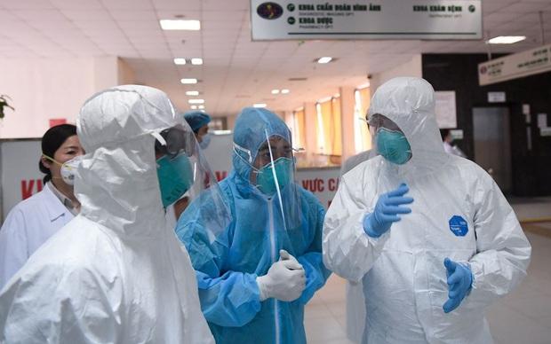 Ghi nhận ca nhiễm Covid-19 thứ 353 tại Việt Nam: Nam bệnh nhân người Hà Nội trở về từ châu Phi, đã cách ly ngay sau nhập cảnh - Ảnh 1.