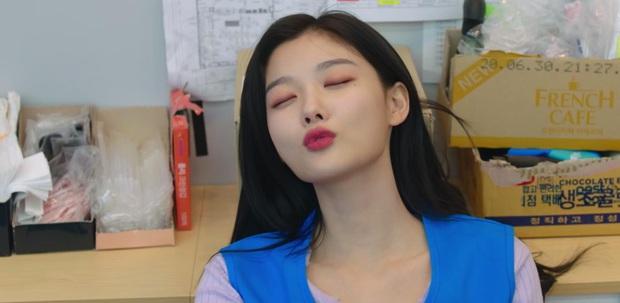 Kim Yoo Jung mơ đi quẩy nóng bỏng với sếp Ji Chang Wook, chốt lại với nụ hôn rực lửa ở tập 3 Backstreet Rookie - Ảnh 5.