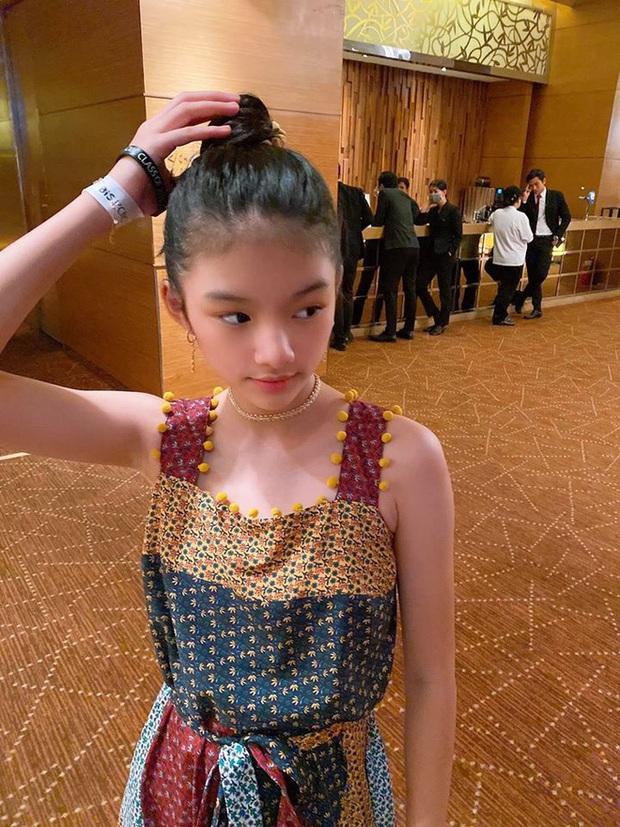 Con gái Trương Ngọc Ánh và Trần Bảo Sơn trổ mã thành công khi bước sang tuổi 12, sở hữu chiều cao cùng nét đẹp vượt trội - Ảnh 4.