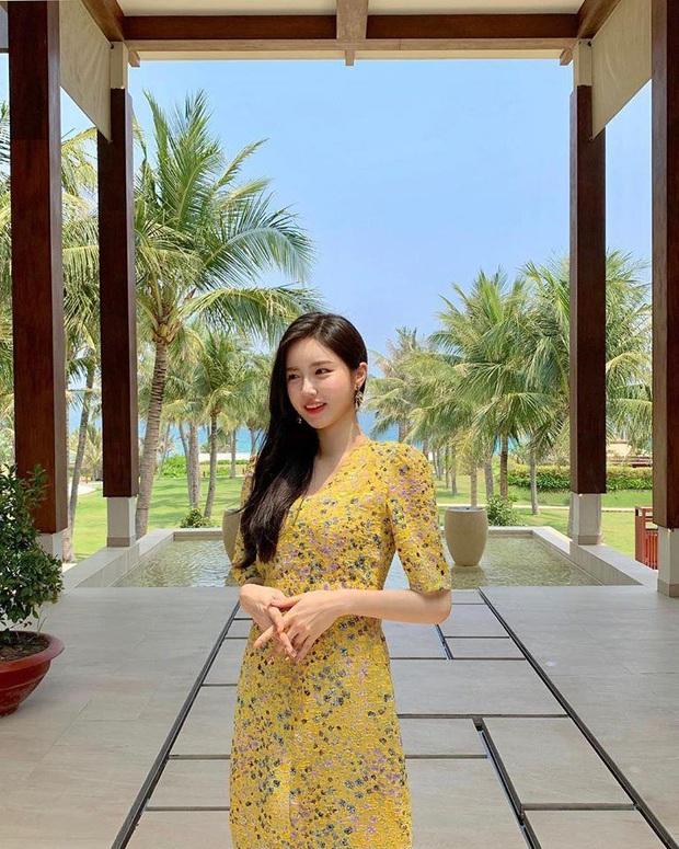 Hot girl ngực khủng xứ Hàn đi lạc vào livestream của nhiều game thủ Việt, liên tục thả thính đẹp trai là được - Ảnh 5.