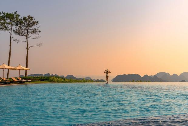 Bí quyết để có những tấm hình bên bể bơi như travel blogger: Du lịch thời nay, ngoài ăn chơi nghỉ dưỡng, đi về nhất định phải có ảnh đẹp!  - Ảnh 5.