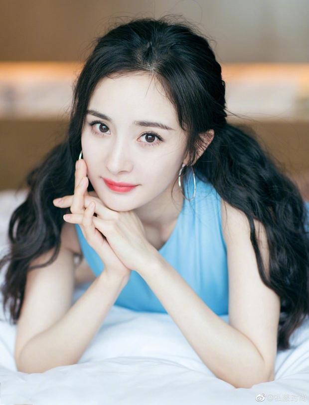 Tứ tiểu hoa đán của 10 năm trước giờ ra sao: Dương Mịch và Lưu Diệc Phi dù nổi tiếng nhưng vẫn không thể sánh bằng người đẹp này - Ảnh 8.