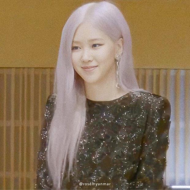 Tóc tai của Black Pink trong họp báo comeback: Có vẻ như hair stylist độ Jisoo mà không độ Lisa, Jennie - Ảnh 6.