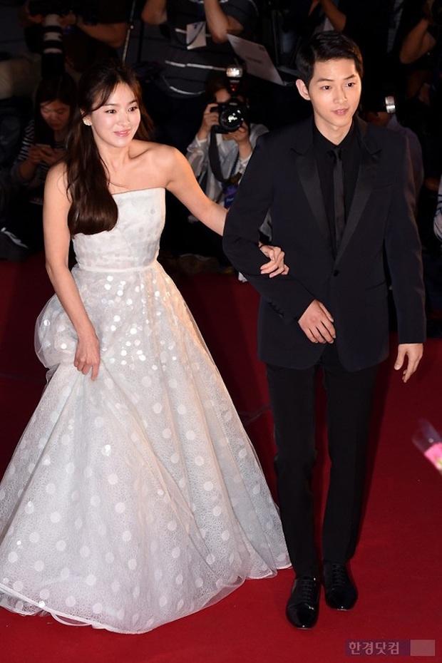 8 lần Song Hye Kyo gây nổ thảm đỏ, sự kiện: 2 dịp làm đám cưới sớm với Song Joong Ki, sau ly hôn lại lột xác ngỡ ngàng - Ảnh 7.