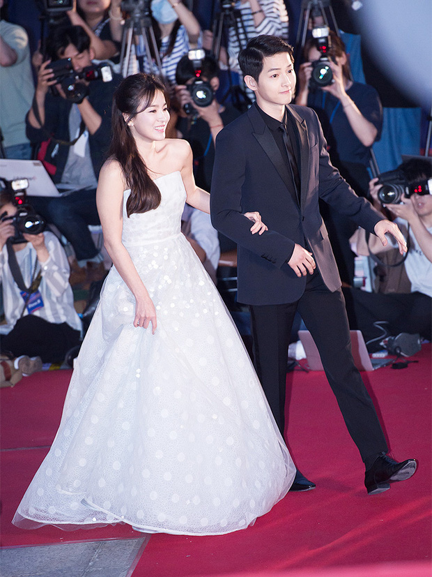 8 lần Song Hye Kyo gây nổ thảm đỏ, sự kiện: 2 dịp làm đám cưới sớm với Song Joong Ki, sau ly hôn lại lột xác ngỡ ngàng - Ảnh 3.
