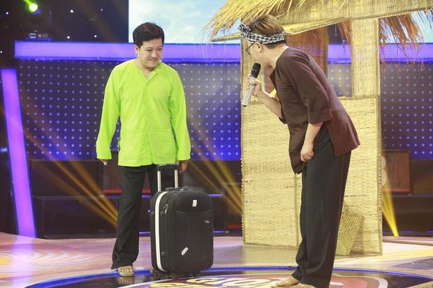 Hòa Minzy chặt chém, sửa lưng Trấn Thành ngay tập mở màn Giọng ải giọng ai mùa 5 - Ảnh 1.