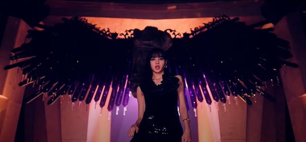 Giải mã How You Like That: 7 hình xăm bí ẩn trên người Jisoo, hành trình BLACKPINK thống trị thế giới và trở thành những Nữ thần Chiến thắng - Ảnh 2.