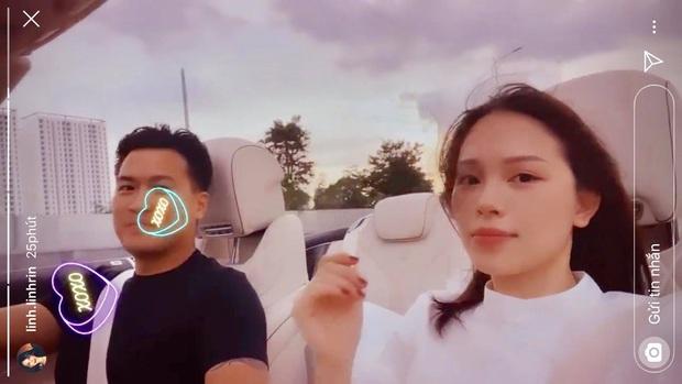 Phillip Nguyễn đưa Linh Rin tậu đồ hiệu rồi lái xe hóng mát: Đúng trend đi con Mẹc dạo Hồ Tây nhưng phiên bản siêu xế! - Ảnh 2.