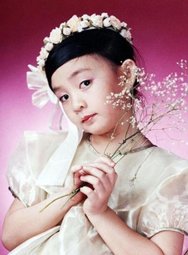 Giật mình sự thật Jisoo (BLACKPINK) và bé Xuân Mai... bằng tuổi: Thời gian đúng là một cú lừa! - Ảnh 3.