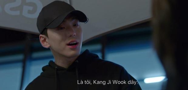 Chơi ngộ muốn thử tài tung cước của Kim Yoo Jung, Ji Chang Wook bị đá đến mất dạng ở tập 4 Backstreet Rookie - Ảnh 5.
