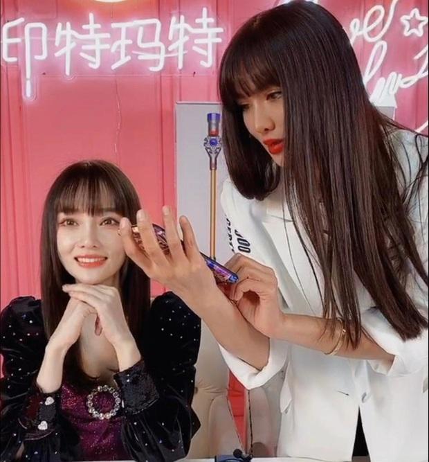Mật báo Cbiz: Angela Baby chơi khăm Triệu Lệ Dĩnh, Lý Thần lại ké fame Phạm Băng Băng và truyện động trời về nữ idol - Ảnh 8.