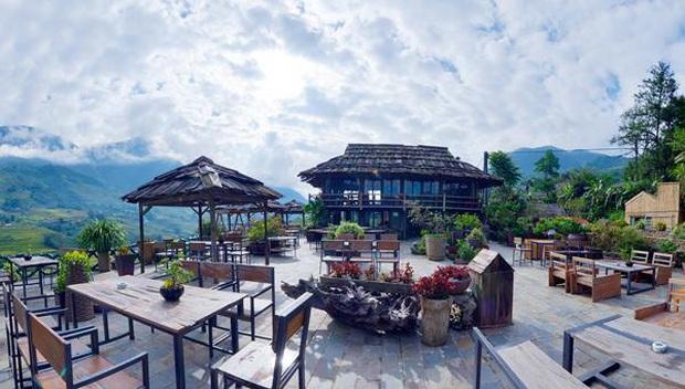"""Đến 5 quán cà phê view đẹp độc đáo tại Sapa để có thể """"chạm tay vào mây"""": Trải nghiệm không gian đồi núi hùng vĩ, mây trời thơ mộng cho một kỳ nghỉ khó quên - Ảnh 11."""