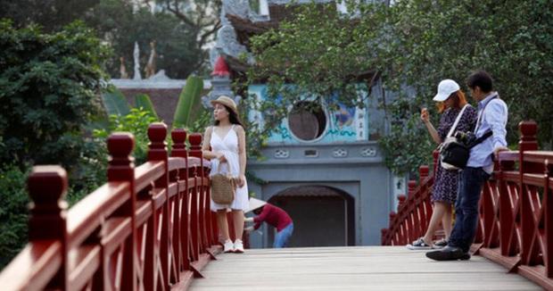 So sánh du lịch Việt Nam và New Zealand hậu COVID-19, báo quốc tế chỉ ra nguyên nhân hồi phục thần kỳ của quốc gia châu Á - Ảnh 1.