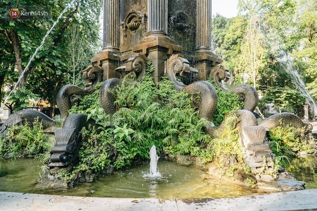 Đeo đai chống sập cho đài phun nước cổ nhất Hà Nội tồn tại 120 năm - Ảnh 5.