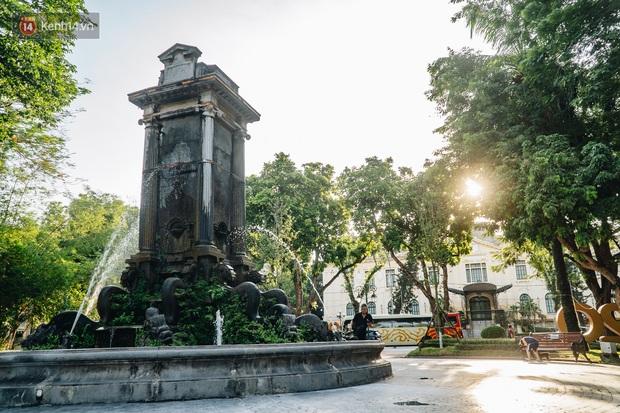 Đeo đai chống sập cho đài phun nước cổ nhất Hà Nội tồn tại 120 năm - Ảnh 3.