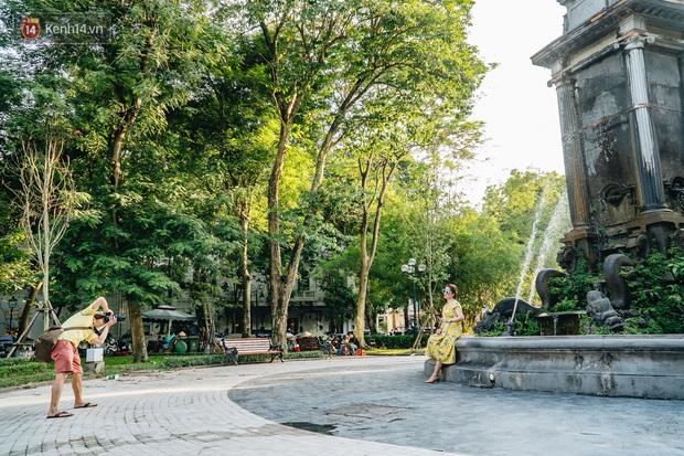 Đeo đai chống sập cho đài phun nước cổ nhất Hà Nội tồn tại 120 năm - Ảnh 12.