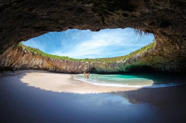 Không tin vào mắt mình trước 15 bãi biển độc nhất hành tinh, nơi nào cũng sở hữu vẻ đẹp ngỡ chỉ có trong trí tưởng tượng - Ảnh 9.
