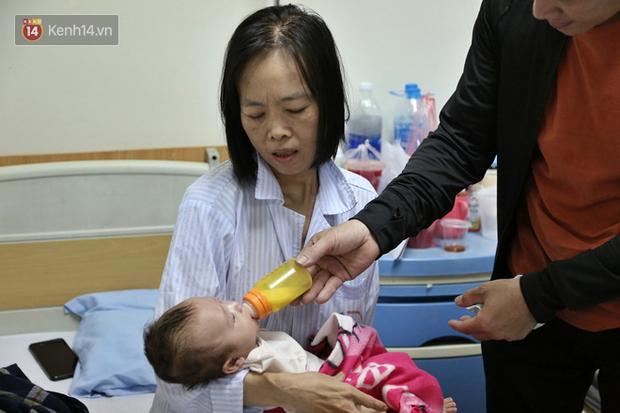 """Người mẹ ung thư thà chết không bỏ con và 3 lần phẫu thuật liên tiếp sau sinh: """"Bé sinh ra chẳng được được bú giọt sữa mẹ nào"""" - Ảnh 1."""
