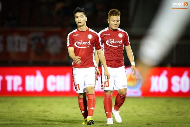 Ronaldo Việt Nam lại bị tăng cân bất thường, Công Phượng có cơ hội độc diễn trên hàng công TP.HCM - Ảnh 3.