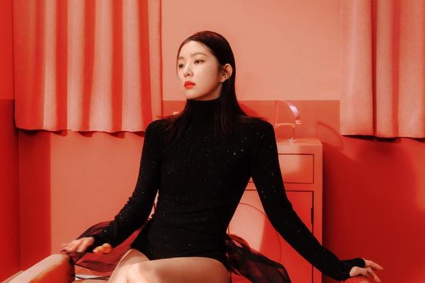 Cuối cùng nữ thần đẹp nhất Kpop Irene đã thoát xác: Hở một mảng lưng trần mà sexy ngộp thở, dân tình mất máu hàng loạt - Ảnh 3.