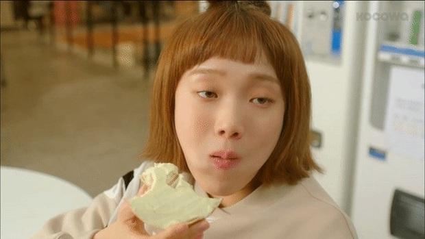 4 chị đại phim Hàn mê trai rớt liêm sỉ: Nhà văn Seo Ye Jin và quái nữ Kim Yoo Jung đang tranh nhau hạng nhất - Ảnh 14.