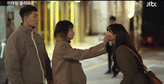 4 chị đại phim Hàn mê trai rớt liêm sỉ: Nhà văn Seo Ye Jin và quái nữ Kim Yoo Jung đang tranh nhau hạng nhất - Ảnh 9.