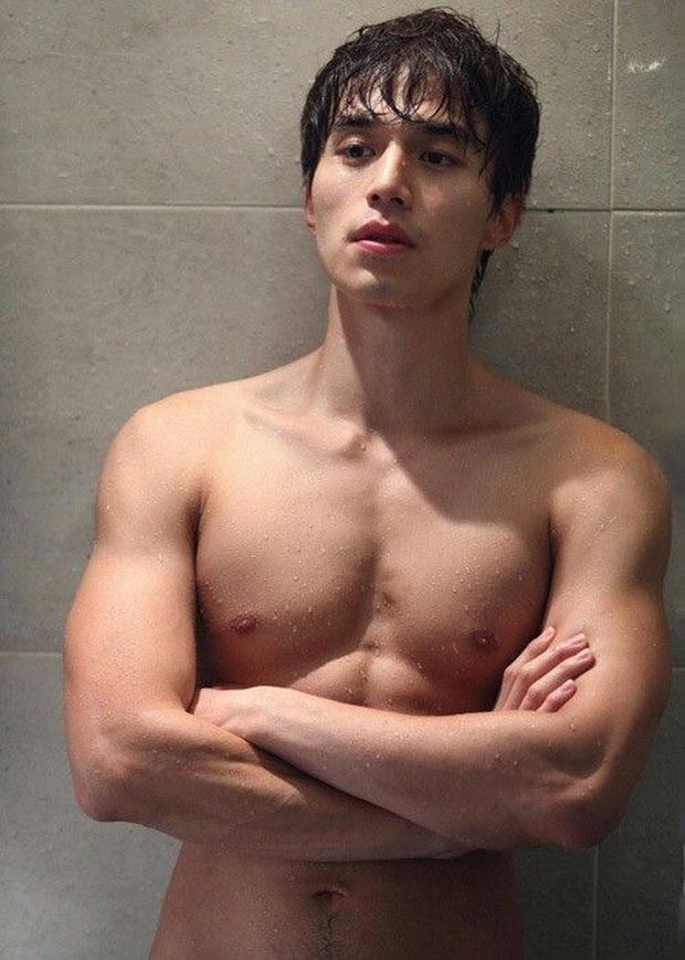 Ná thở vì 7 màn khoe múi sương sương của hội nam thần phim Hàn, còn xem là còn mê mẩn á - Ảnh 18.