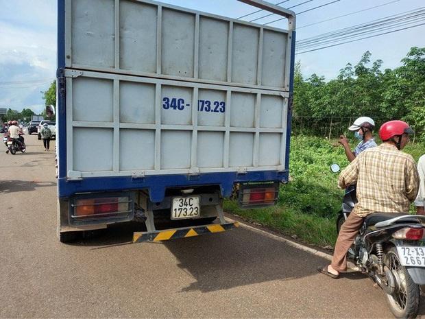 Sau tai nạn giao thông khiến 2 vợ chồng thương vong, tài xế rời khỏi hiện trường  - Ảnh 2.