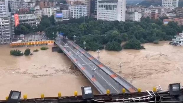 Trung Quốc: Lũ lụt lan rộng 26 tỉnh, đập Tam Hiệp gặp thử thách lớn nhất 17 năm - Ảnh 4.