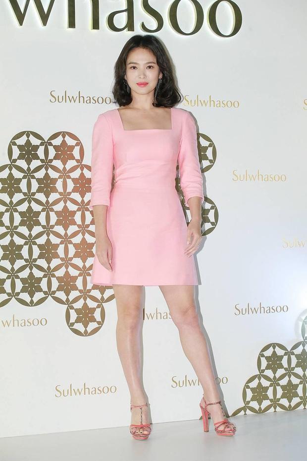 Rút kinh nghiệm từ Song Hye Kyo, chị em sẽ biết mẫu giày nào nên - không nên diện nếu chân ngắn và thô - Ảnh 8.