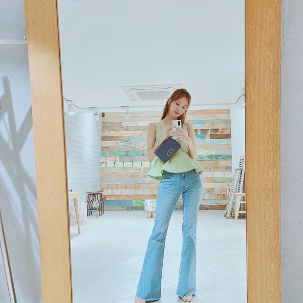 Mặc đẹp như sao Hàn chưa bao giờ dễ đến thế, chị em cứ ngắm loạt outfit đơn giản sau là ra ngay cách mix đồ xịn mịn - Ảnh 3.