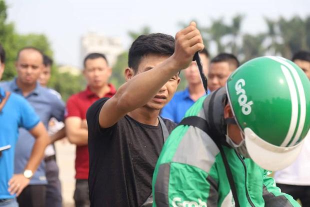 Mẹ của nam sinh chạy Grab bị sát hại ở Hà Nội: Hai kẻ giết con tôi, tử hình cũng không hết tội - Ảnh 2.