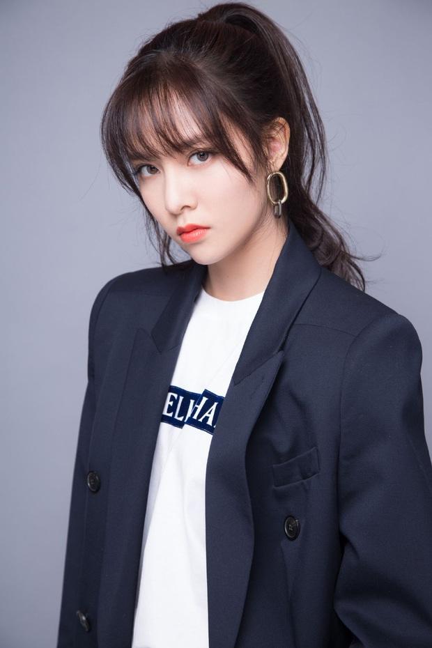 """Số phận """"thành viên hụt"""" của TWICE: Người thành diễn viên Trung Quốc, người từng hát chung hit với Sunmi dính nghi vấn bị đuổi khỏi công ty - Ảnh 8."""