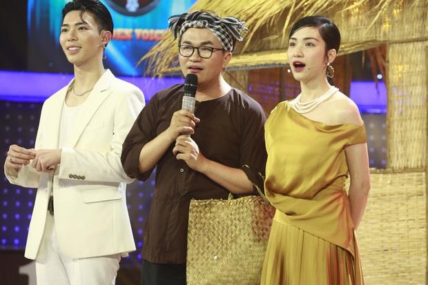 Hòa Minzy cầm tiền đi đường quyền khi chọn nhầm thí sinh ở Giọng ải giọng ai - Ảnh 1.