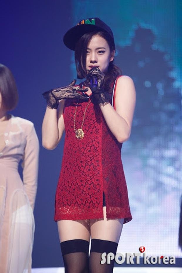"""Số phận """"thành viên hụt"""" của TWICE: Người thành diễn viên Trung Quốc, người từng hát chung hit với Sunmi dính nghi vấn bị đuổi khỏi công ty - Ảnh 5."""