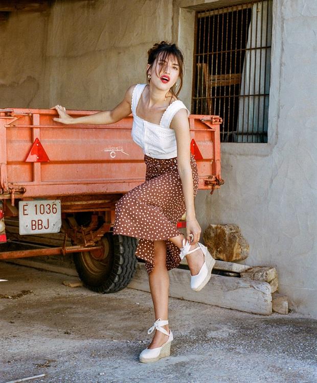 4 mẫu chân váy xinh như mộng được phụ nữ Pháp si mê từ năm này qua tháng khác, bạn sắm theo là style lên đời - Ảnh 1.