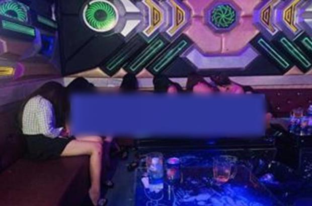 Đột kích quán karaoke ở Đồng Nai, phát hiện 6 cô gái không mặc quần áo nhảy múa phục vụ khách - Ảnh 1.